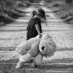 sindrome tourette tics en la infancia niña psicologo infantil madrid